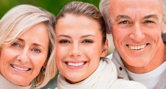 smilingtek-diseño-de-sonrisa-contactanos-tratamientos-ortodoncia-ortopedia-3a